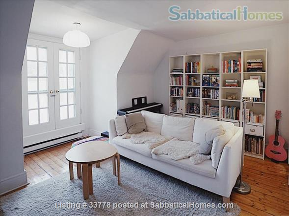 Summer in Toronto! Beautiful family home situated across the street from pretty Bickford park in Little Italy Home Rental in Toronto, Ontario, Canada 5