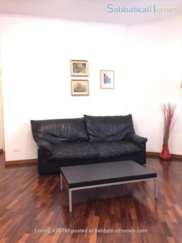 Elegant flat central  Rome, excellent neighbourhood, near university Home Rental in Rome, Lazio, Italy 4