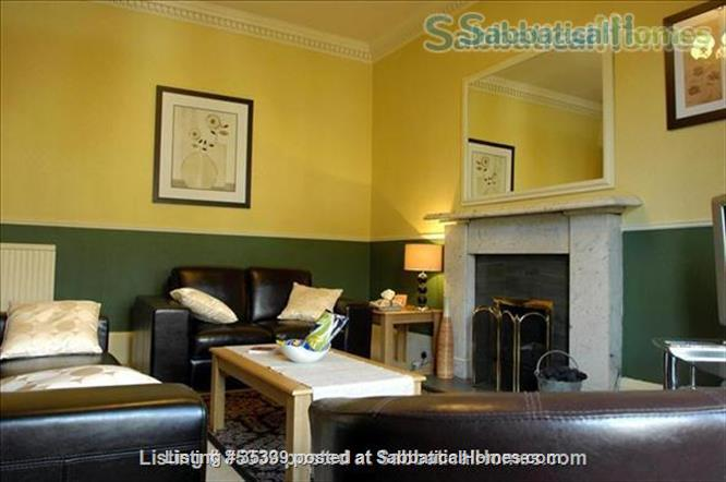 4-Bedroom Upmarket Edinburgh City Apartment Home Rental in Edinburgh, Scotland, United Kingdom 1