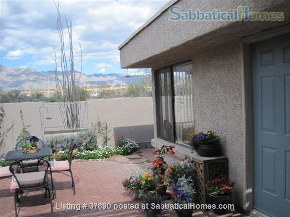 Town home with mountain views, bike-trail access Home Rental in Tucson, Arizona, United States 1
