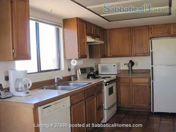 Town home with mountain views, bike-trail access Home Rental in Tucson, Arizona, United States 3