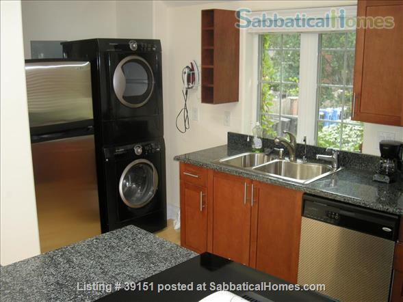 Luxury 2 Bedroom furnished coach house in Hyde Park within University of Chicago campus Home Rental in Chicago, Illinois, United States 2