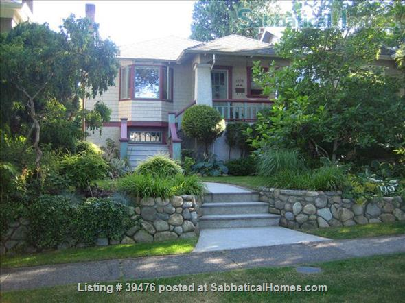Charming and cozy artistic home in lovely Vancouver close to Univ of B.C. Home Rental in Vancouver, British Columbia, Canada 1