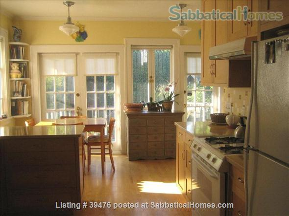 Charming and cozy artistic home in lovely Vancouver close to Univ of B.C. Home Rental in Vancouver, British Columbia, Canada 3