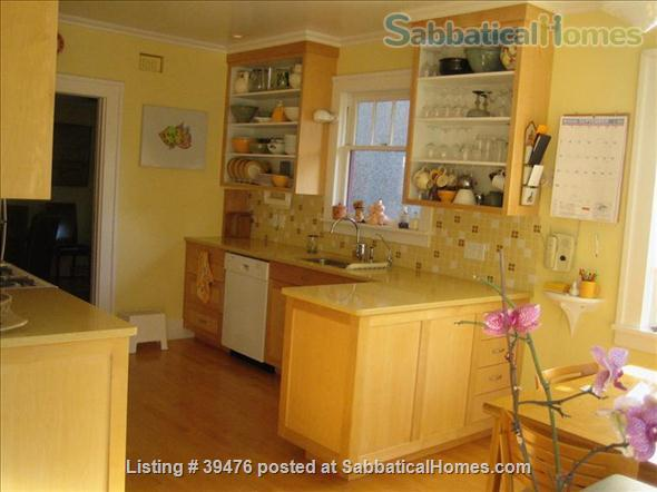 Charming and cozy artistic home in lovely Vancouver close to Univ of B.C. Home Rental in Vancouver, British Columbia, Canada 4