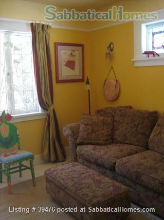 Charming and cozy artistic home in lovely Vancouver close to Univ of B.C. Home Rental in Vancouver, British Columbia, Canada 6