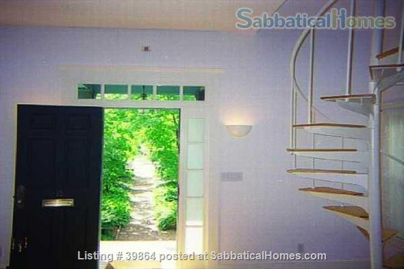 Urban Oasis: 2-Bedroom Cambridge Carriage House w/ Garden & 2 Home Offices Home Rental in Cambridge, Massachusetts, United States 5