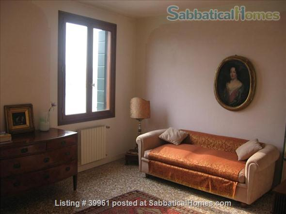 Luxurious one bedroom apartment in a XVIII Century Palace on the Great Canal Home Rental in Venezia, Veneto, Italy 3