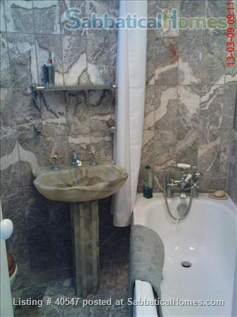 Notting Hill - sunny one-bedroom flat , minutes from tube Home Rental in Greater London, England, United Kingdom 4