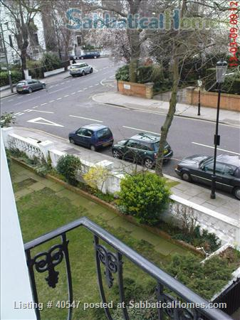 Notting Hill - sunny one-bedroom flat , minutes from tube Home Rental in Greater London, England, United Kingdom 5