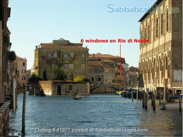 Serene spacious apartment overlooking canals Home Rental in Venice, Veneto, Italy 9