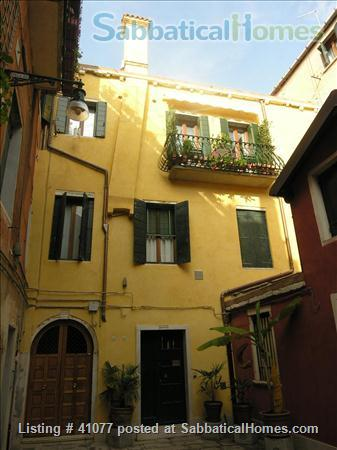 Serene spacious apartment overlooking canals Home Rental in Venice, Veneto, Italy 1