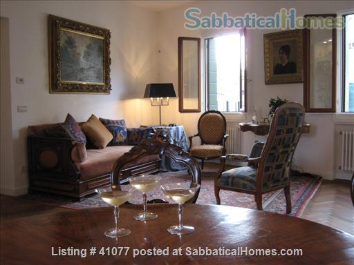 Serene spacious apartment overlooking canals Home Rental in Venice, Veneto, Italy 3