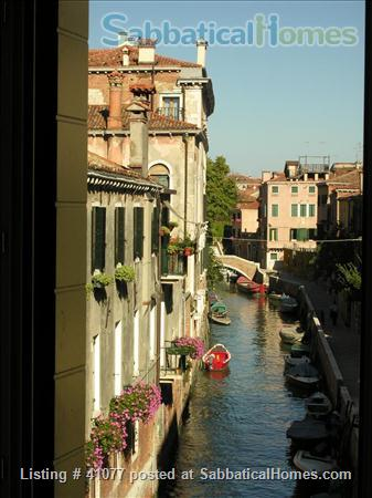 Serene spacious apartment overlooking canals Home Rental in Venice, Veneto, Italy 7