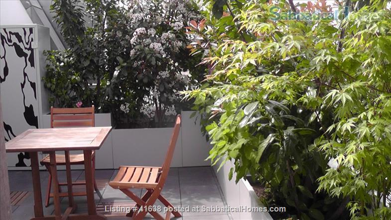 Luxury apartment located across from the park and on the canal - quiet location away from the crowds; perfect for work and study. Home Rental in Paris, IDF, France 8