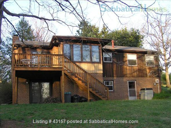 Comfortable, Easy-Care Home near UVA Home Rental in Charlottesville, Virginia, United States 5