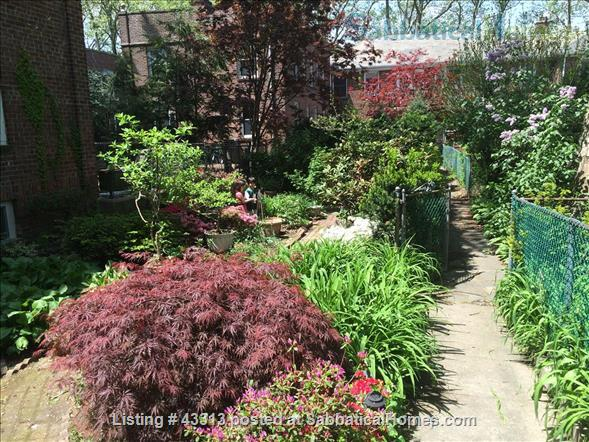 2-bedroom in Leafy New York City neighborhood Home Rental in Queens County, New York, United States 2