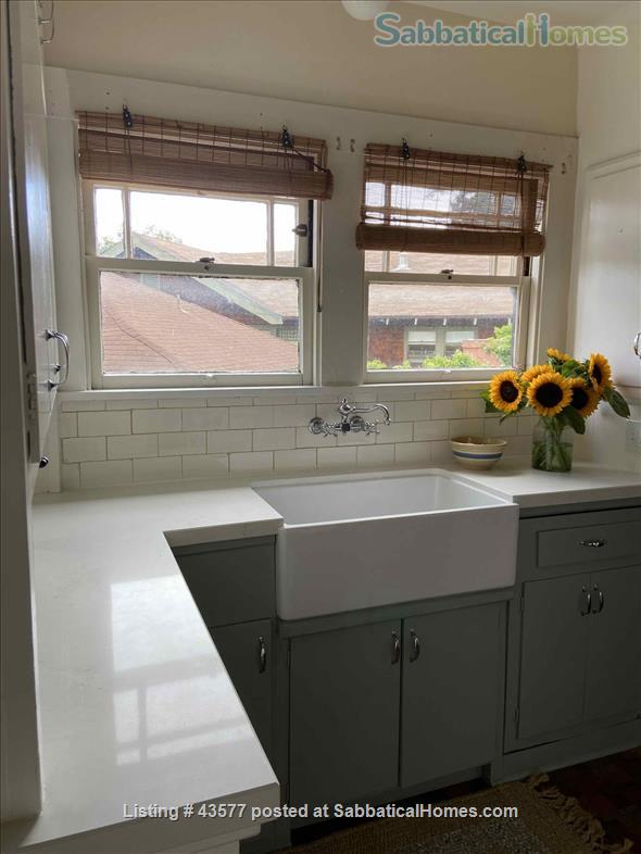 Gorgeous Furnished Craftsman Bungalow in Prime Location - Available 6/14/21 Home Rental in Berkeley, California, United States 4