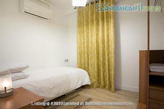 Plaza Catalunya -- Gothic Quarter - just 6  min to beach - 2 bedroom apt   Home Rental in Barcelona, Catalunya, Spain 8