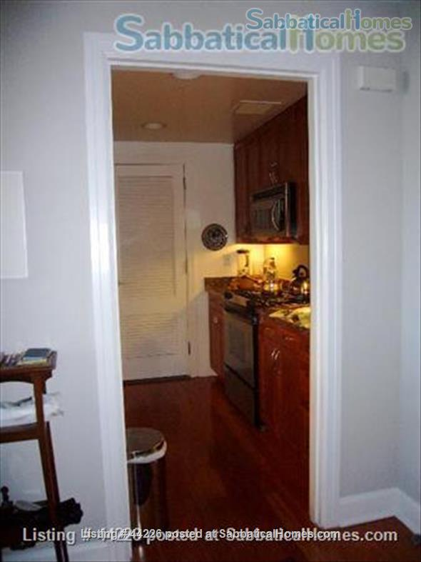 Holiday Rental: Luxurious, Sunny, and Quiet Apt on Central Park West Home Rental in New York, New York, United States 2