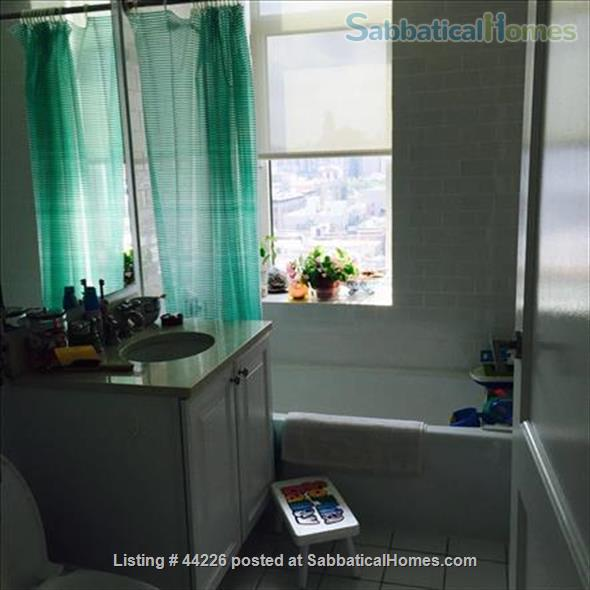 Holiday Rental: Luxurious, Sunny, and Quiet Apt on Central Park West Home Rental in New York, New York, United States 3
