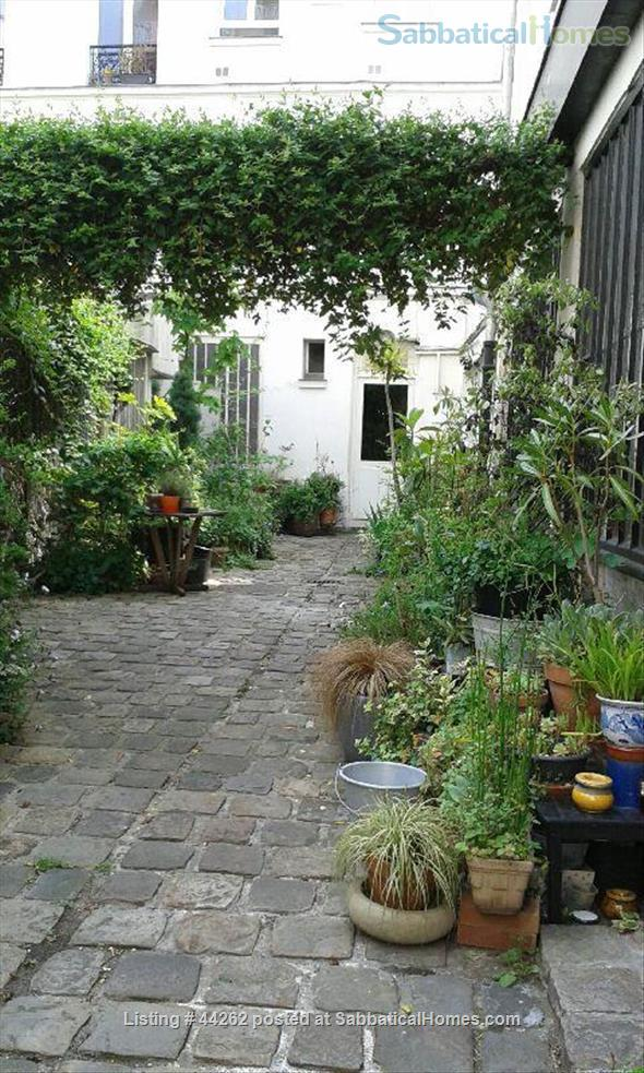 I rent a cosy and quite 2 rooms between Nation and Bastille Home Rental in Paris, Île-de-France, France 1