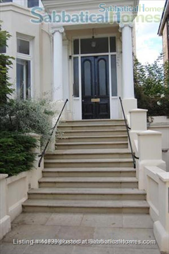 PRIME LOCATION !!! ALL UTILITIES, TV CABLES AND WIFI INCLUDED. Stunning Studio Loft in the heart of Belsize Park, one of London's most sought after neighbourhoods. Home Rental in London, England, United Kingdom 1