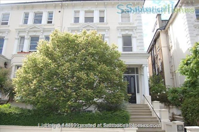 PRIME LOCATION !!! ALL UTILITIES, TV CABLES AND WIFI INCLUDED. Stunning Studio Loft in the heart of Belsize Park, one of London's most sought after neighbourhoods. Home Rental in London, England, United Kingdom 2