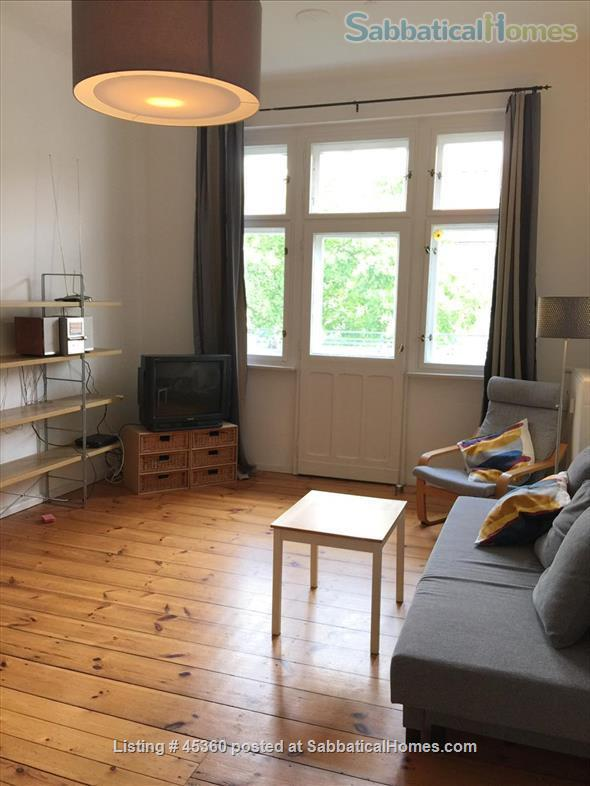 Beautiful sunny 4 room Apartment with balcony and elevator by the park Home Rental in Berlin, Berlin, Germany 1