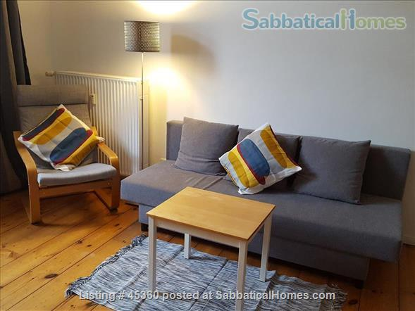 Beautiful sunny 4 room Apartment with balcony and elevator by the park Home Rental in Berlin, Berlin, Germany 2