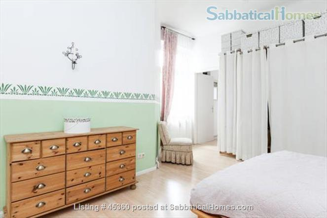 Beautiful sunny 4 room Apartment with balcony and elevator by the park Home Rental in Berlin, Berlin, Germany 3