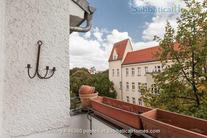 Beautiful sunny 4 room Apartment with balcony and elevator by the park Home Rental in Berlin, Berlin, Germany 5
