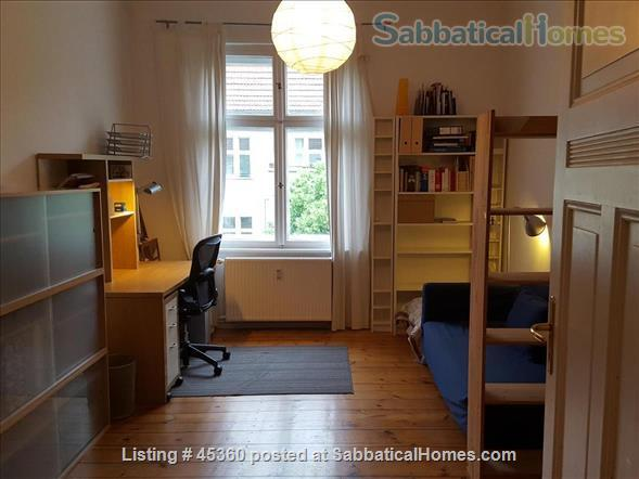 Beautiful sunny 4 room Apartment with balcony and elevator by the park Home Rental in Berlin, Berlin, Germany 6
