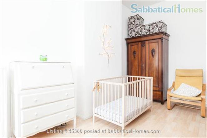 Beautiful sunny 4 room Apartment with balcony and elevator by the park Home Rental in Berlin, Berlin, Germany 7