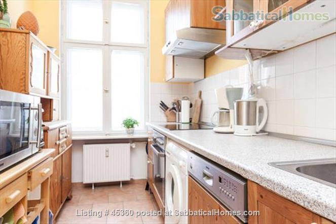 Beautiful sunny 4 room Apartment with balcony and elevator by the park Home Rental in Berlin, Berlin, Germany 8