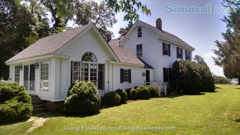 Beautiful River Home in Historic Tidewater Virginia Perfect for Sabbatical!  Home Rental in Gloucester Point, Virginia, United States 1