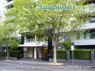 Spacious inner city three bedroom Melbourne apartment with two bathrooms in a modern building Home Exchange in Melbourne, VIC, Australia 7