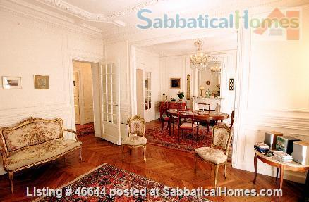 Beautiful, spacious (1000sqft), elegant 1910 Left Bank apartment, furnished with antiques. Perfect for an academic couple Home Rental in Paris, Île-de-France, France 2