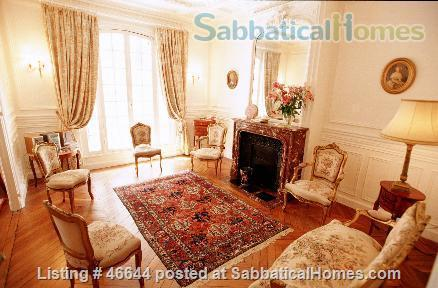 Beautiful, spacious (1000sqft), elegant 1910 Left Bank apartment, furnished with antiques. Perfect for an academic couple Home Rental in Paris, Île-de-France, France 3