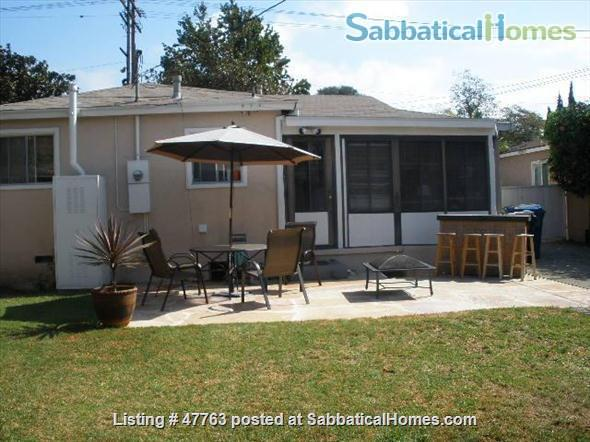 WEST LOS ANGELES NEAR UCLA BEAUTIFUL 3-BEDROOM HOME FULLY FURNISHED - All Utilities included Home Rental in Los Angeles, California, United States 1