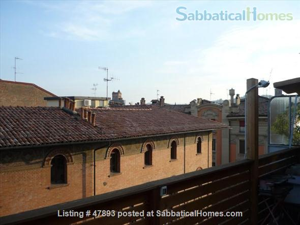 Cozy penthouse in center of the city, near the University of Bologna and Johns Hopkins University Home Rental in Bologna, Emilia-Romagna, Italy 7