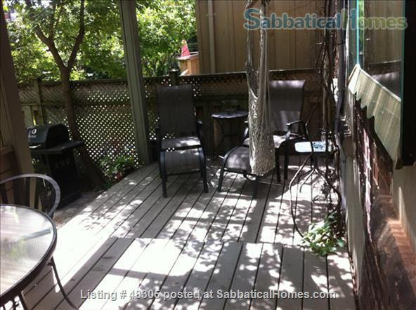 Beautiful 1 Bdrm Garden Suite with Porches in High Park -Swansea / Roncesvalles/Bloorwest area with a home away from home appeal Home Exchange in Toronto, Ontario, Canada 6
