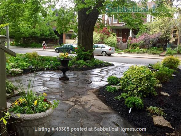 Beautiful 1 Bdrm Garden Suite with Porches in High Park -Swansea / Roncesvalles/Bloorwest area with a home away from home appeal Home Rental in Toronto, Ontario, Canada 8