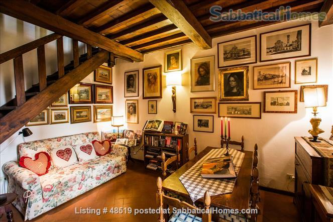 listing image for UFFIZIFLAT@GALLERY ACROSS STREET! 1BD COZY  *WIFI *A/C  *LIFT @CHARM of FLORENCE INSIDE .