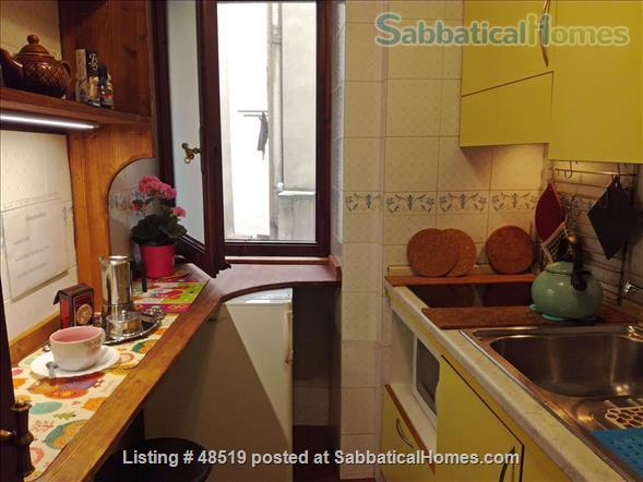 UFFIZIFLAT@GALLERY ACROSS STREET! 1BD COZY  *WIFI *A/C  *LIFT @CHARM of FLORENCE INSIDE .  Home Rental in Firenze, Toscana, Italy 2