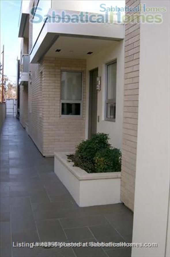Two bedroom, 2-story Pasadena condo convenient to Huntington Library, Cal Tech Home Rental in Pasadena, California, United States 4