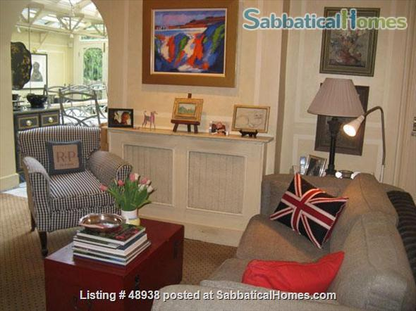 Garden Flat in Chelsea, Central London SW10 - a pretty garden flat located on a quiet street in Chelsea, London, SW10, close to public transport and local amenities Home Rental in London, England, United Kingdom 1