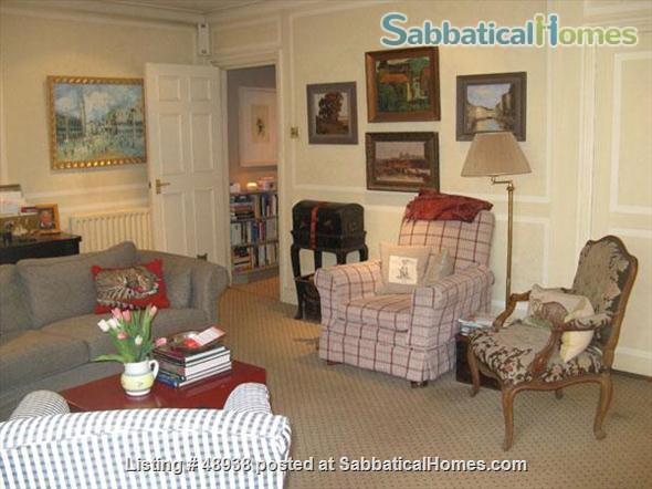 Garden Flat in Chelsea, Central London SW10 - a pretty garden flat located on a quiet street in Chelsea, London, SW10, close to public transport and local amenities Home Rental in London, England, United Kingdom 0