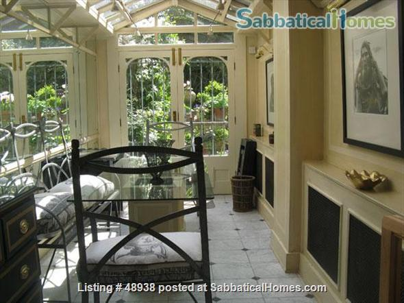 Garden Flat in Chelsea, Central London SW10 - a pretty garden flat located on a quiet street in Chelsea, London, SW10, close to public transport and local amenities Home Rental in London, England, United Kingdom 3