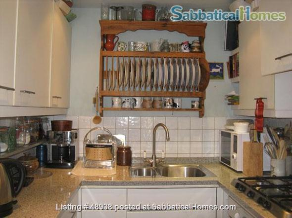 Garden Flat in Chelsea, Central London SW10 - a pretty garden flat located on a quiet street in Chelsea, London, SW10, close to public transport and local amenities Home Rental in London, England, United Kingdom 5